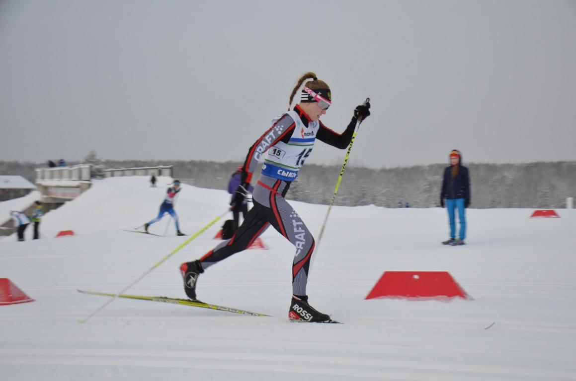 Нижегородец и москвичка победили в спринте на проходящих в Коми юношеских соревнованиях по лыжным гонкам