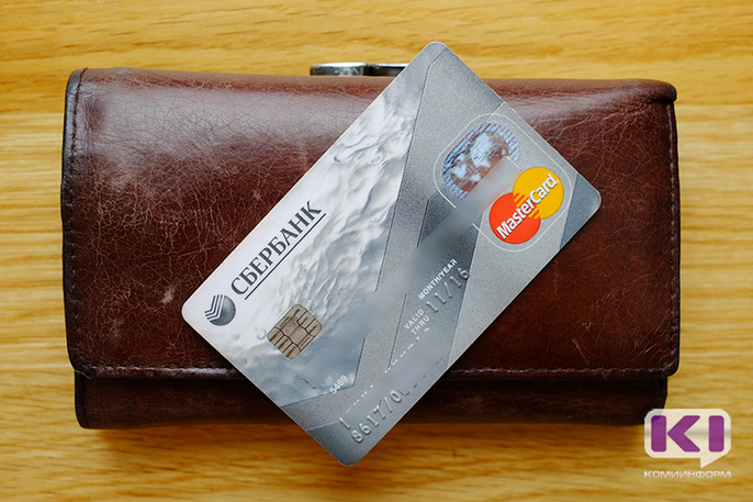 Под предлогом блокирования средств мошенники похитили с банковской карты сыктывкарки более 44 тысяч рублей