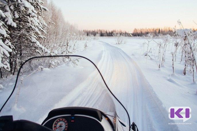 На Соплесской переправе провалился снегоход