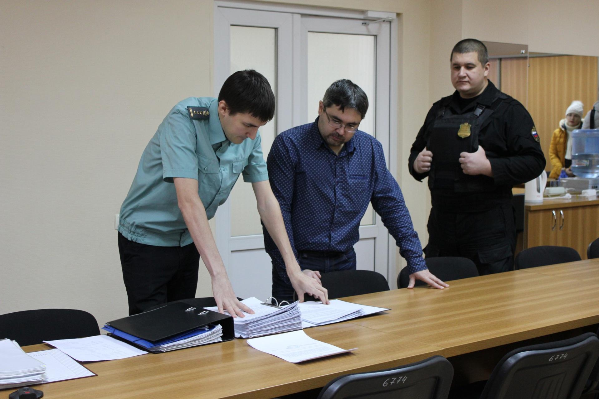 Орловские приставы за день взыскали более 1 млн рублей долгов в пользу ТЭК