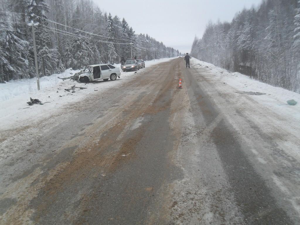 В Усть-Вымском районе в аварии пострадала водитель, допустившая столкновение с внедорожником