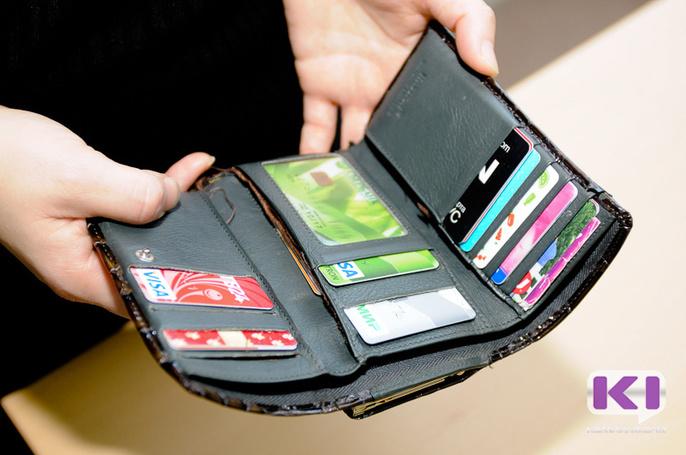 У жительницы Усинска украли кошелек с крупной наличностью