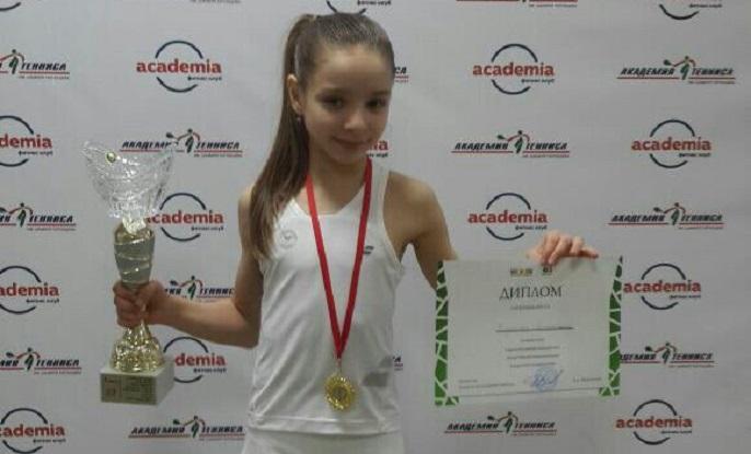 Десятилетняя теннисистка из Сыктывкара победила на соревнованиях в Казани