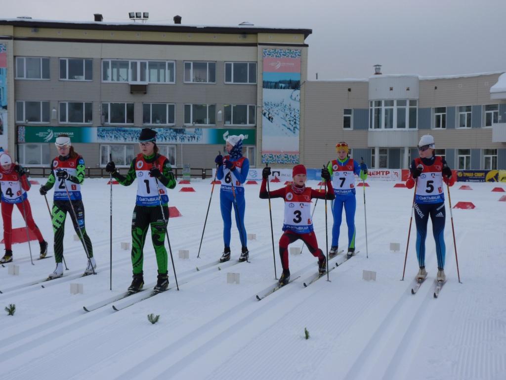 Сосногорские и усть-куломские лыжники победили в эстафетных гонках Первенства Коми среди юношей и девушек