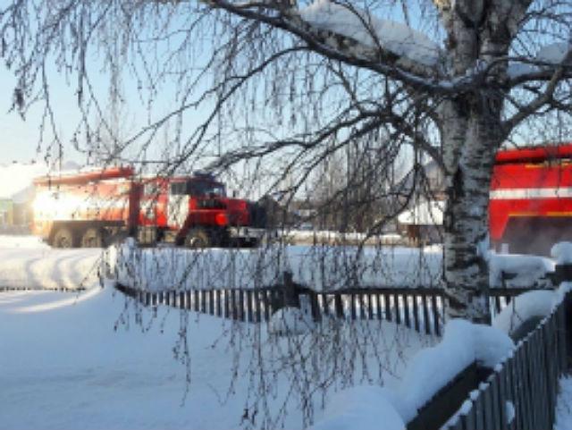 На пожаре в Усинске погибли двое мужчин
