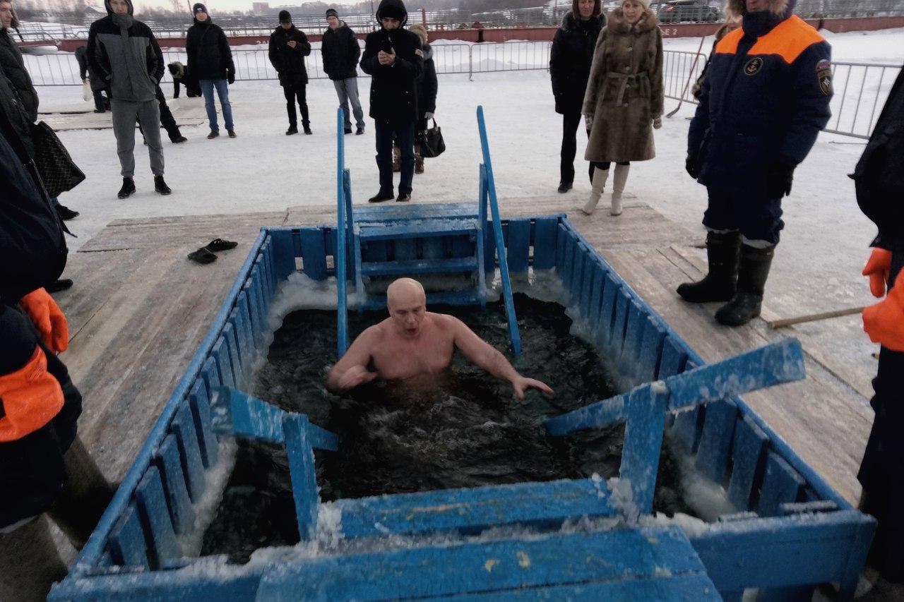 Депутаты Госсовета Коми участвуют в Крещенских купаниях