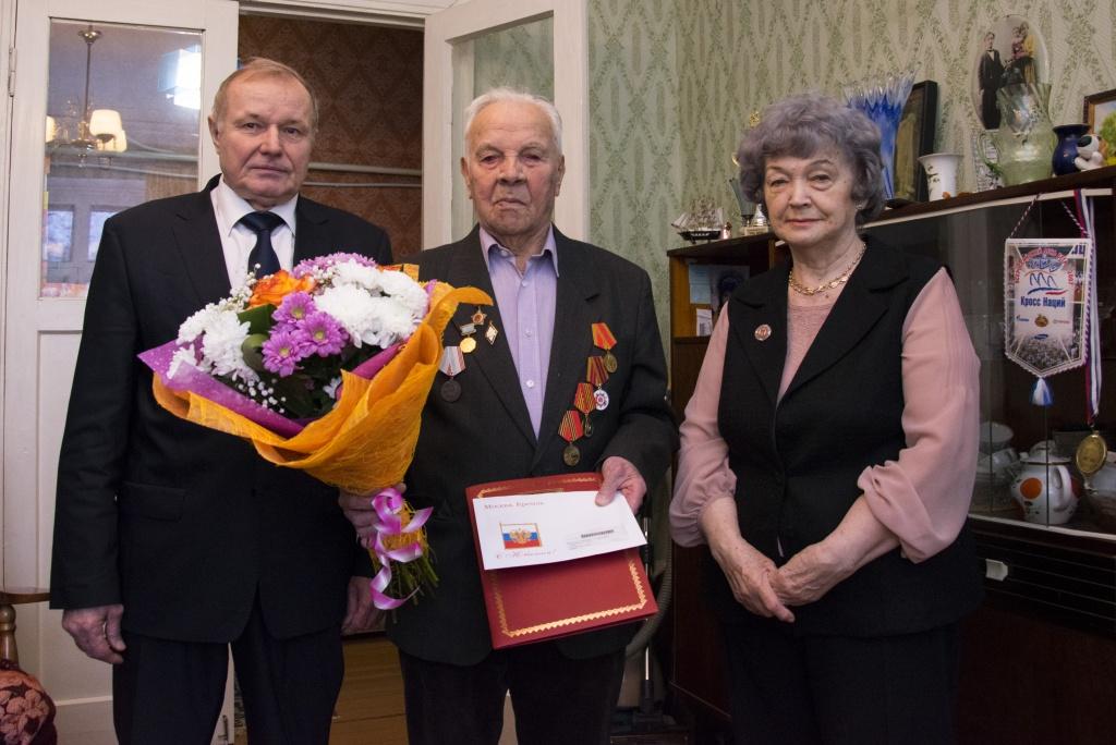 В Ухте 90-летие отметил заслуженный учитель Коми Николай Мишарин