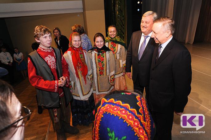 Полпред Александр Беглов посетил Гимназию искусств при главе Коми