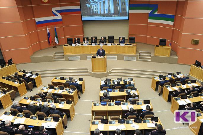 Глава Коми поставил правоохранителям задачу обезопасить детей республики
