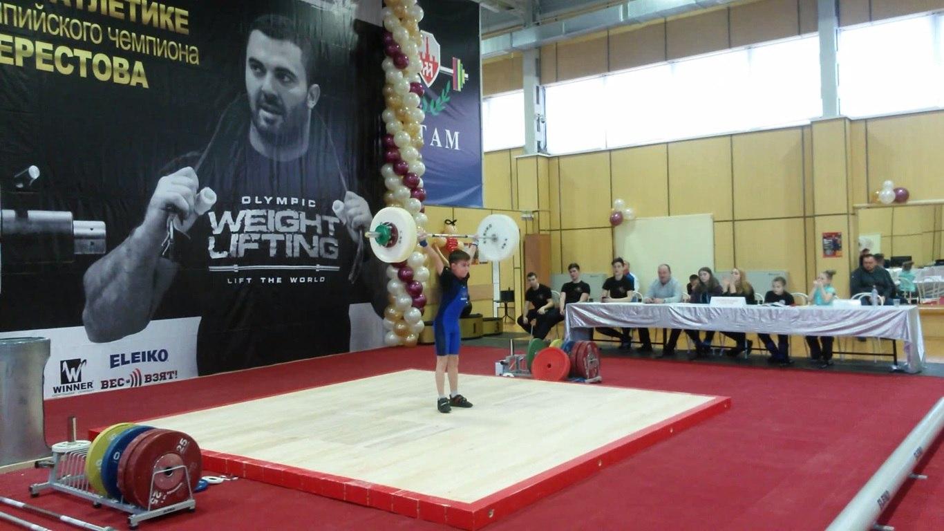 Сыктывкарец победил на крупнейшем детском турнире по тяжелой атлетике
