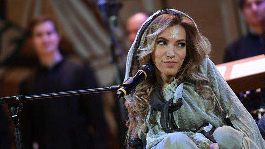 РФ  наЕвровидение-2018 представит Самойлова, которую невпустили в Украинское государство