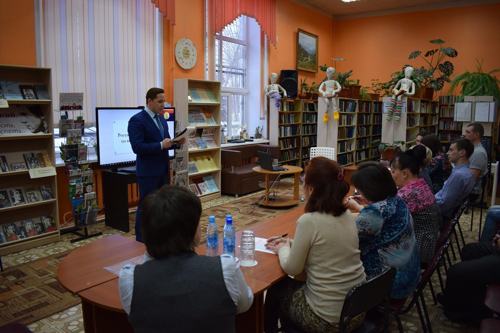 В Коми более двух тысяч жителей поучаствовали в работе круглых столов на тему выборов