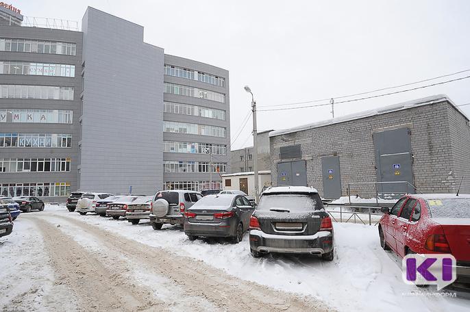 Верховный суд РФ: за неоплату парковки отвечает водитель служебного автомобиля