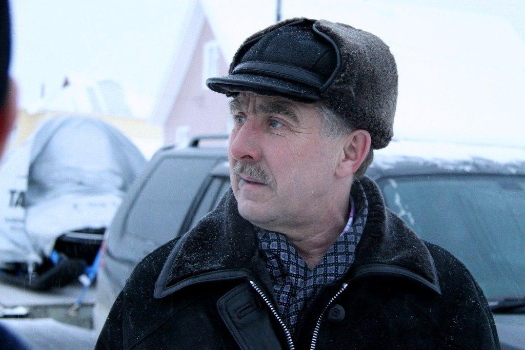 Начальник ижемской вертолетной площадки Сергей Сотников отмечает юбилей