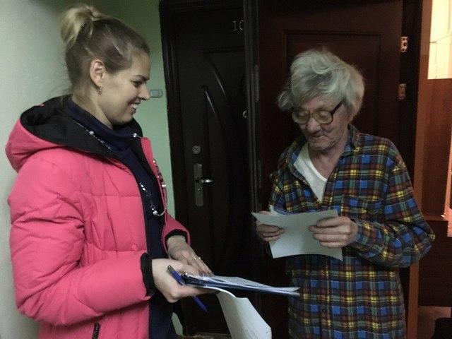 В Сыктывкаре продолжается поквартирный обход избирателей