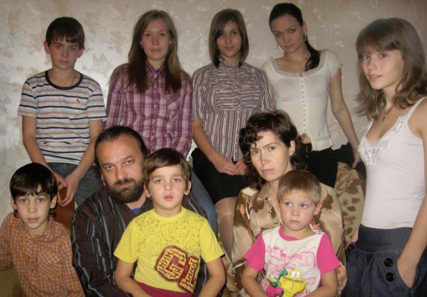 В Коми девять семей удостоены высшей родительской награды