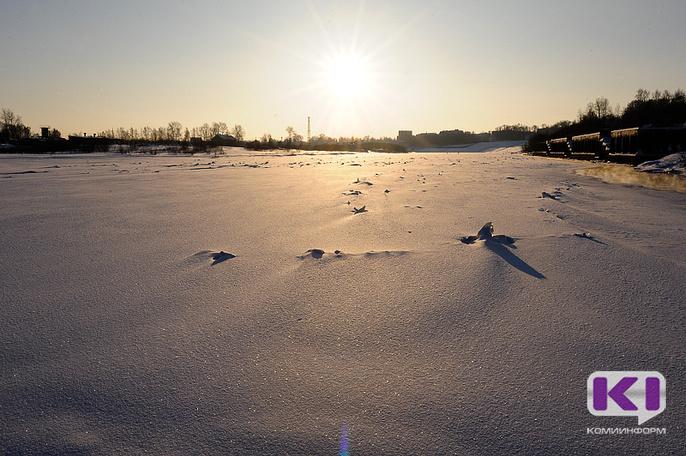 В Инте рыбак оказался в опасности из-за старого снегохода