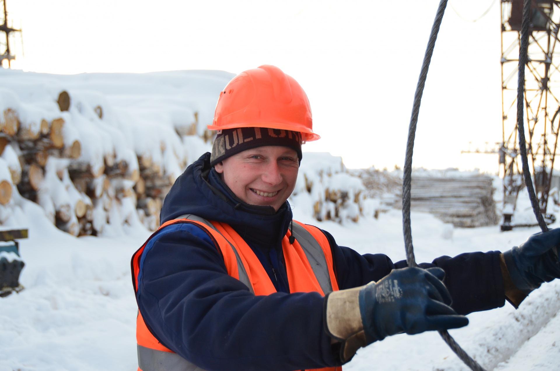Стропальщик фанерного завода Иван Гуров рассказал о специфике своей профессии