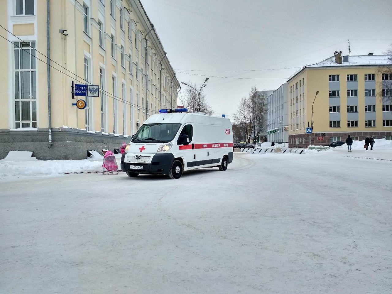Маленькая сыктывкарка травмировалась на Стефановской площади