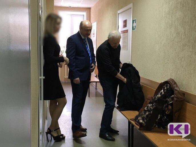По делу Елены Шабаршиной допрашивают экс-главу Коми Владимира Торлопова
