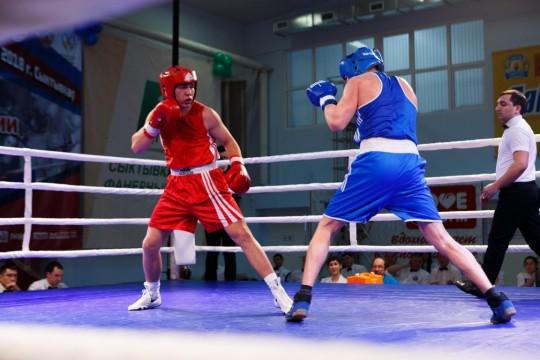 В Сыктывкаре стартует третий день Первенства России по боксу среди юниоров