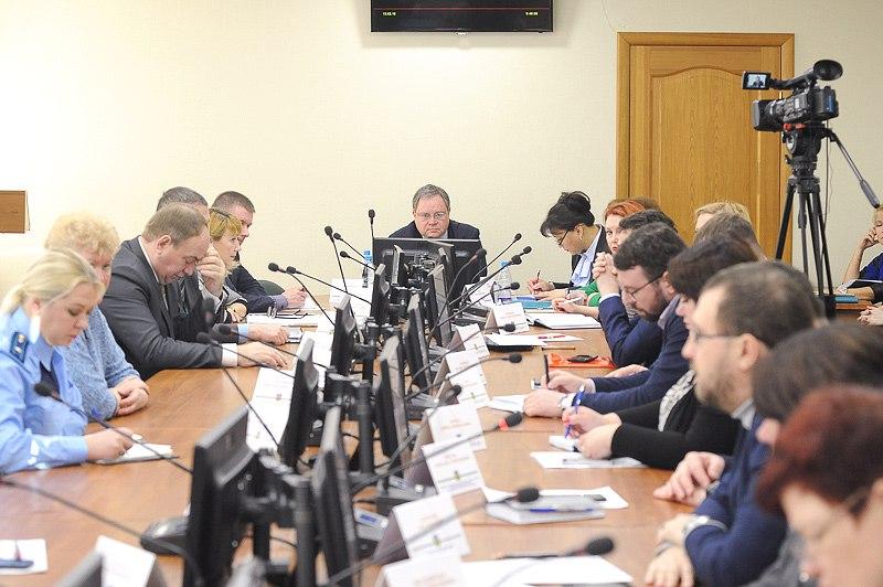 Коммунальные службы столицы Коми обследовали 370 заваленных снегом дворов