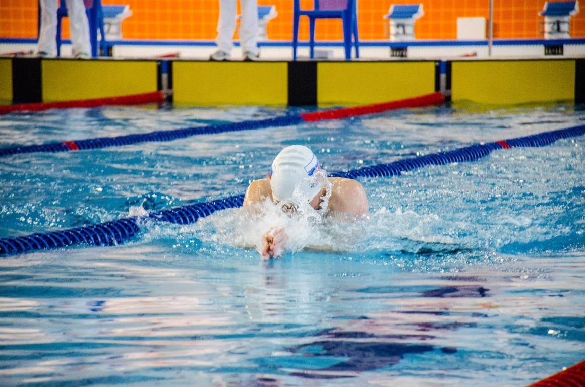 В Сыктывкаре стартовал Чемпионат Коми по плаванию