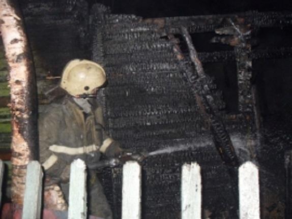 В Коми огонь уничтожил жилой дом