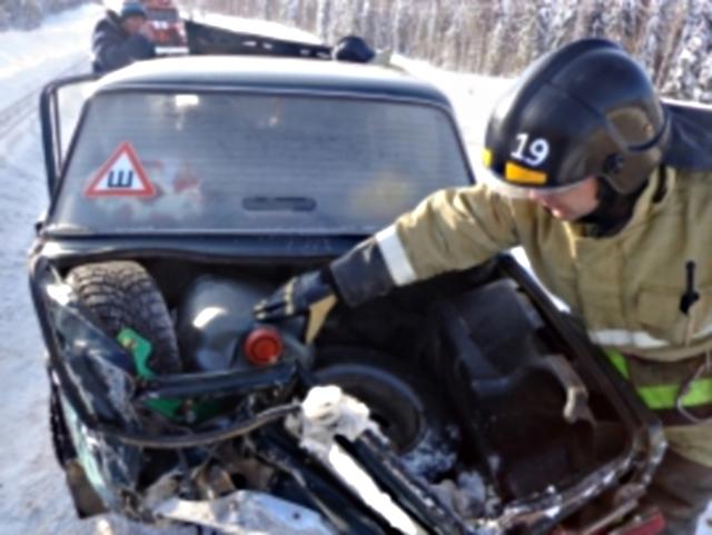 Два человека пострадали в аварии под Усть-Куломом