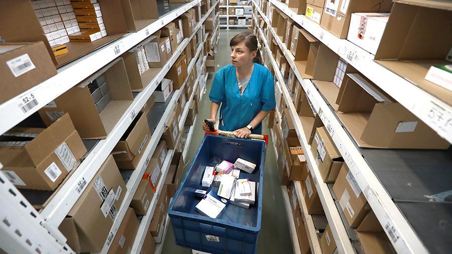 Власти РФ откладывают введение онлайн-продажи лекарств