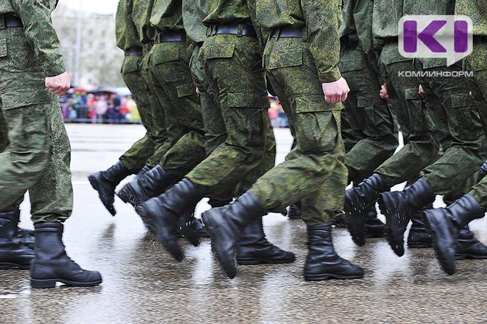 Под предлогом освобождения от ответственности за избиение сослуживца мошенники требовали у матери солдата из Коми 60 тысяч рублей