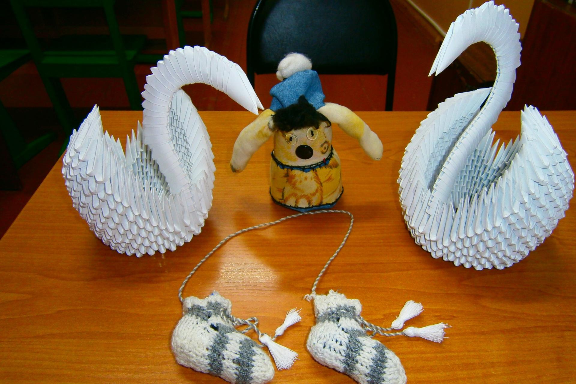 4.-Sredi-nesovreschennoletnih-est-mastera-origami-podelki-iz-bumagi-i-masterizy-schvei-i-vyazalschizy.JPG