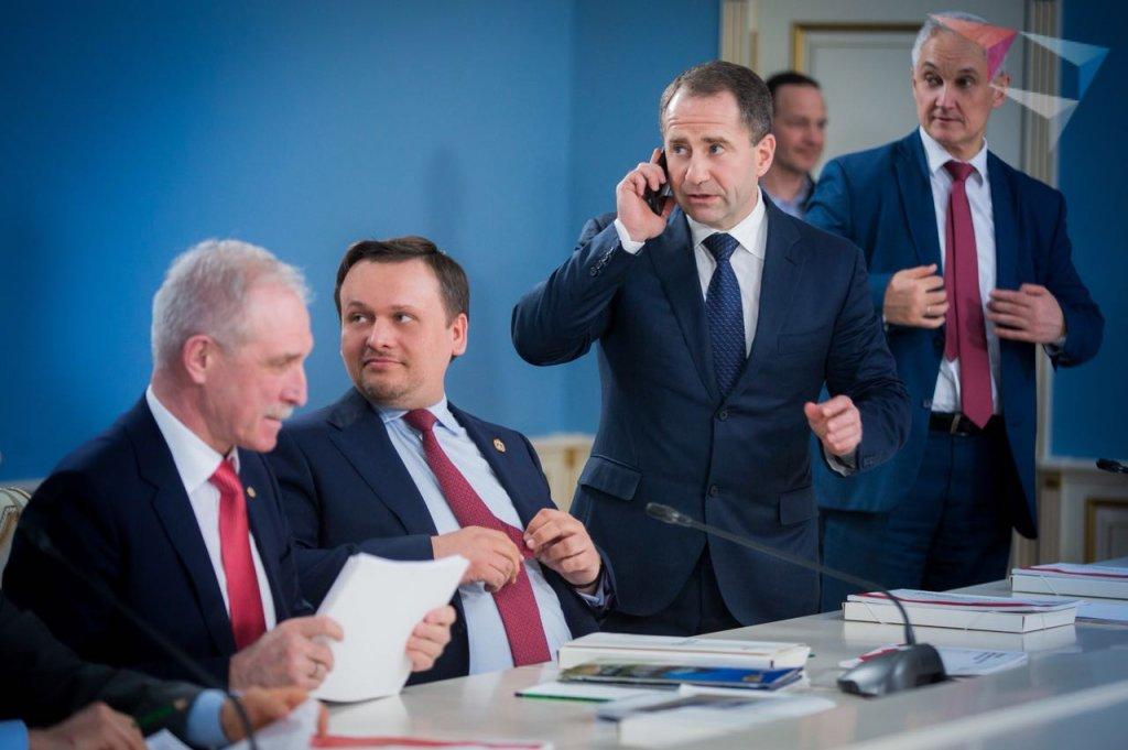 Русские губернаторы примут участие втеле-шоу «Битва замиллиард»