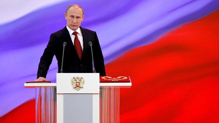 Путин предложил государственной думе  РФрассмотреть кандидатуру Дмитрия Медведева напост премьера