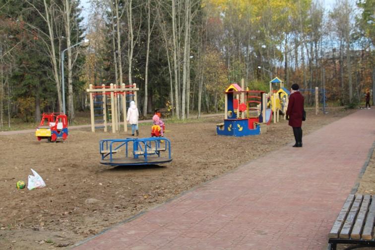Park-V.Dubinina-det.ploschadka.jpg