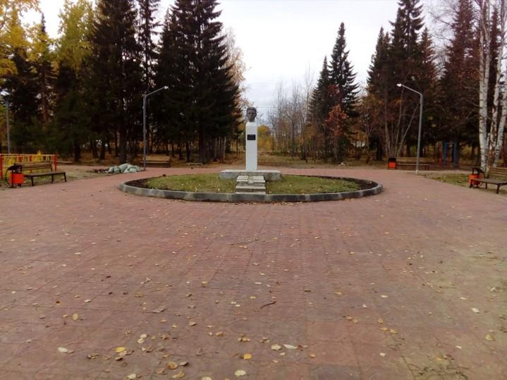 Park-V.Dubinina-pokrytie-plitka-stalo.jpg
