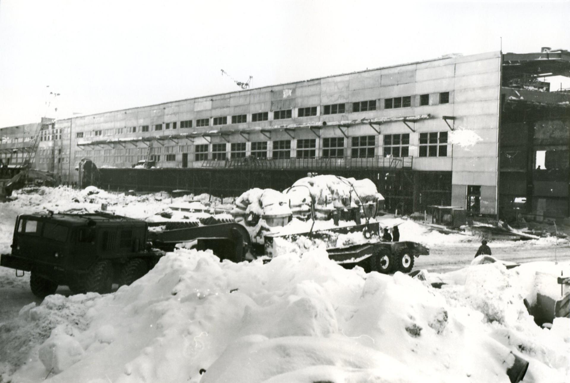 Zavoz-turbiny-dlya-KZ-2-1974-god.jpg