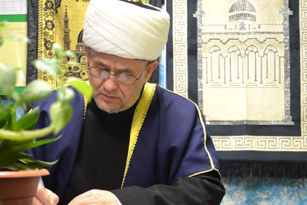 2.-Nikah-dlya-brachuyuschihsya-po-vsem-tradiziyam-musulmanskoi-svadby-prochital-muftii-Valiahmad-hazrat-Gayazov..jpg
