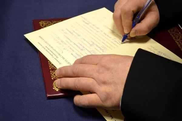 3.-Posle-registrazii-braka-zachastuyu-osughdennyi-stanovitsya-bolee-otvetstvennym-vosstanavlivaet-sozialno-poleznye-svyazi..jpg