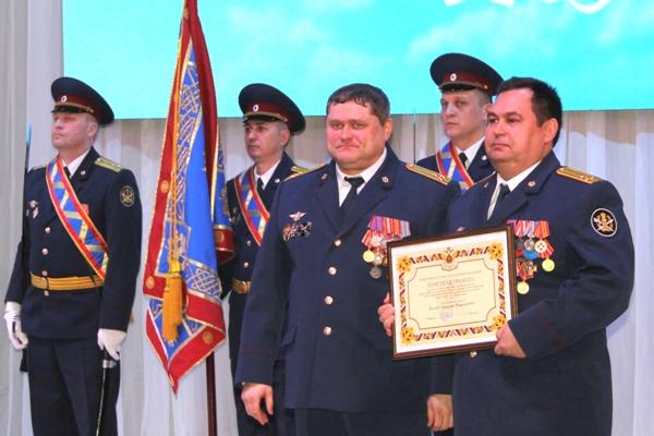 4.Posle-vystupleniya-vrio-nachalnika-sostoyalas-prozedura-nagraghdeniya-sotrudnikov-UIS-vedomstvennymi-nagradami-FSIN-Rossii.jpg