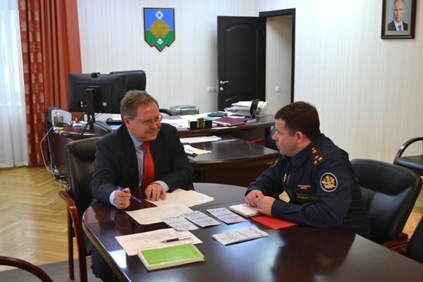 1.-Nachalnik-IK-25-i-mer-Syktyvkara-obsudili-vozmoghnye-napravleniya-sotrudnichestva.JPG
