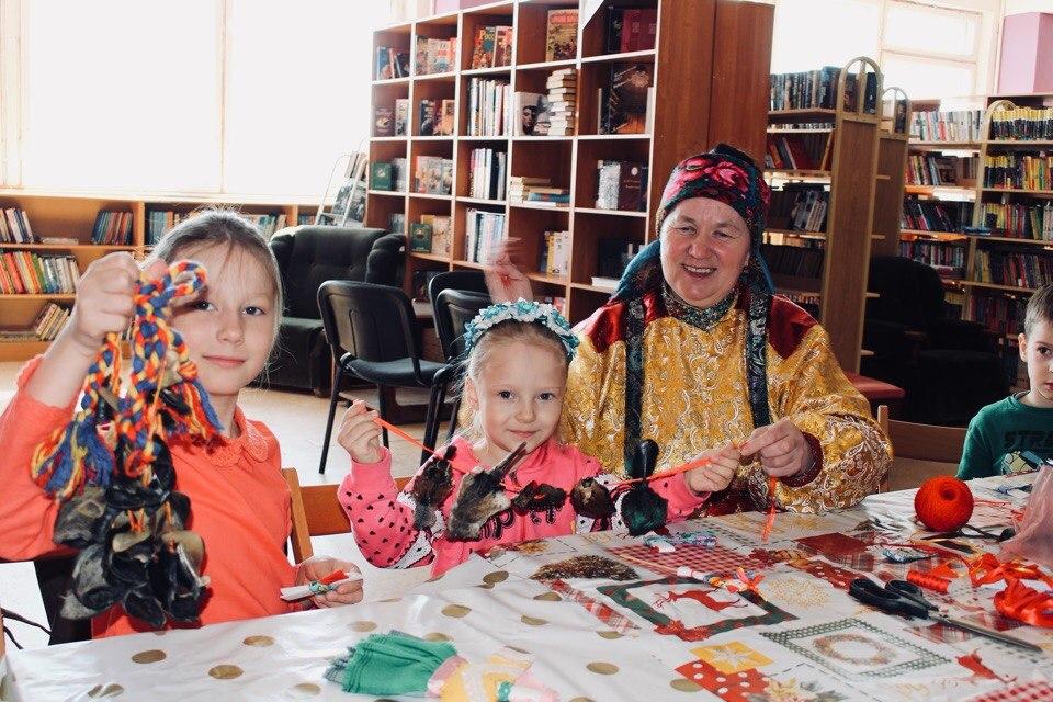 V-Zentralnoi-biblioteke-g.-Usinsk-4.jpg