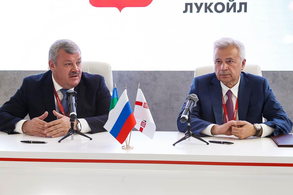 Glava_SPIEF_Lukoil_09.jpg