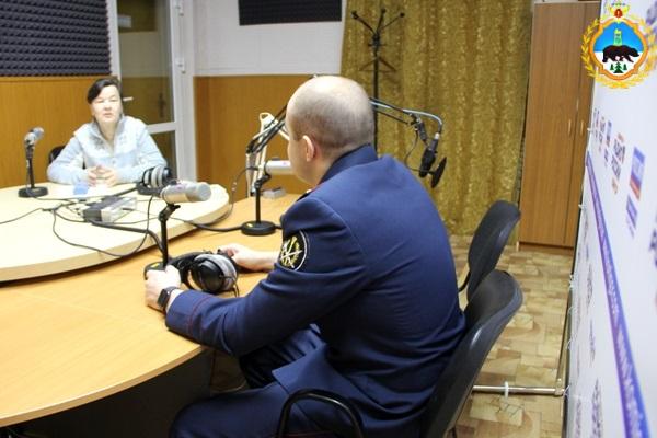 3.-Labynzev-na-radio.jpg