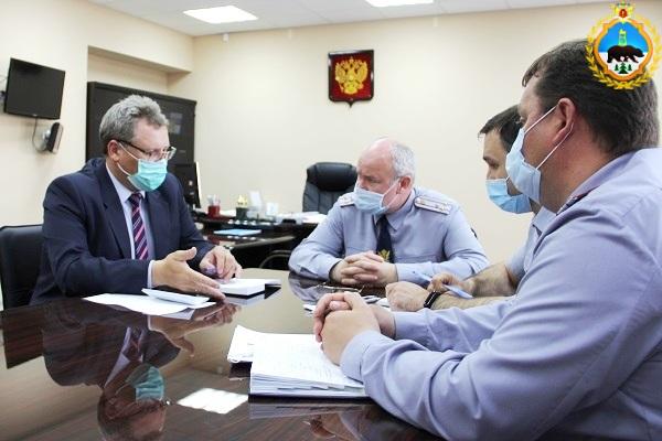 4.Vrio-nachalnika-UFSIN-Dmitrii-Konovalov-provel-rabochuyu-vstrechu-s-predsedatelem-ONK.jpg