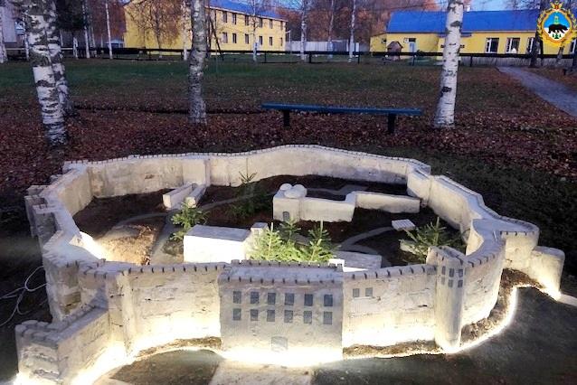 1.V-KP-34-poselka-Voghskii-poyavilsya-maket-drevneischei-kreposti-Rossii--zitadeli-Naryn-kala.jpg
