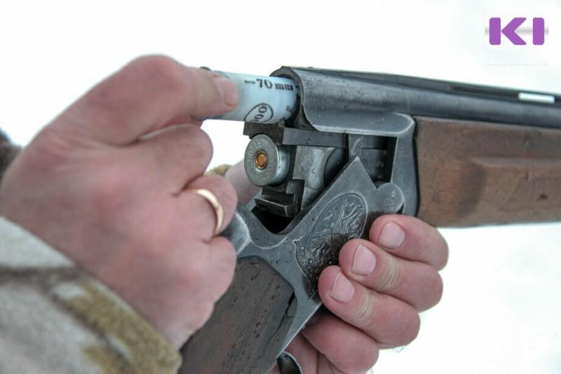 В Коми два охотника утопили свои ружья в реках