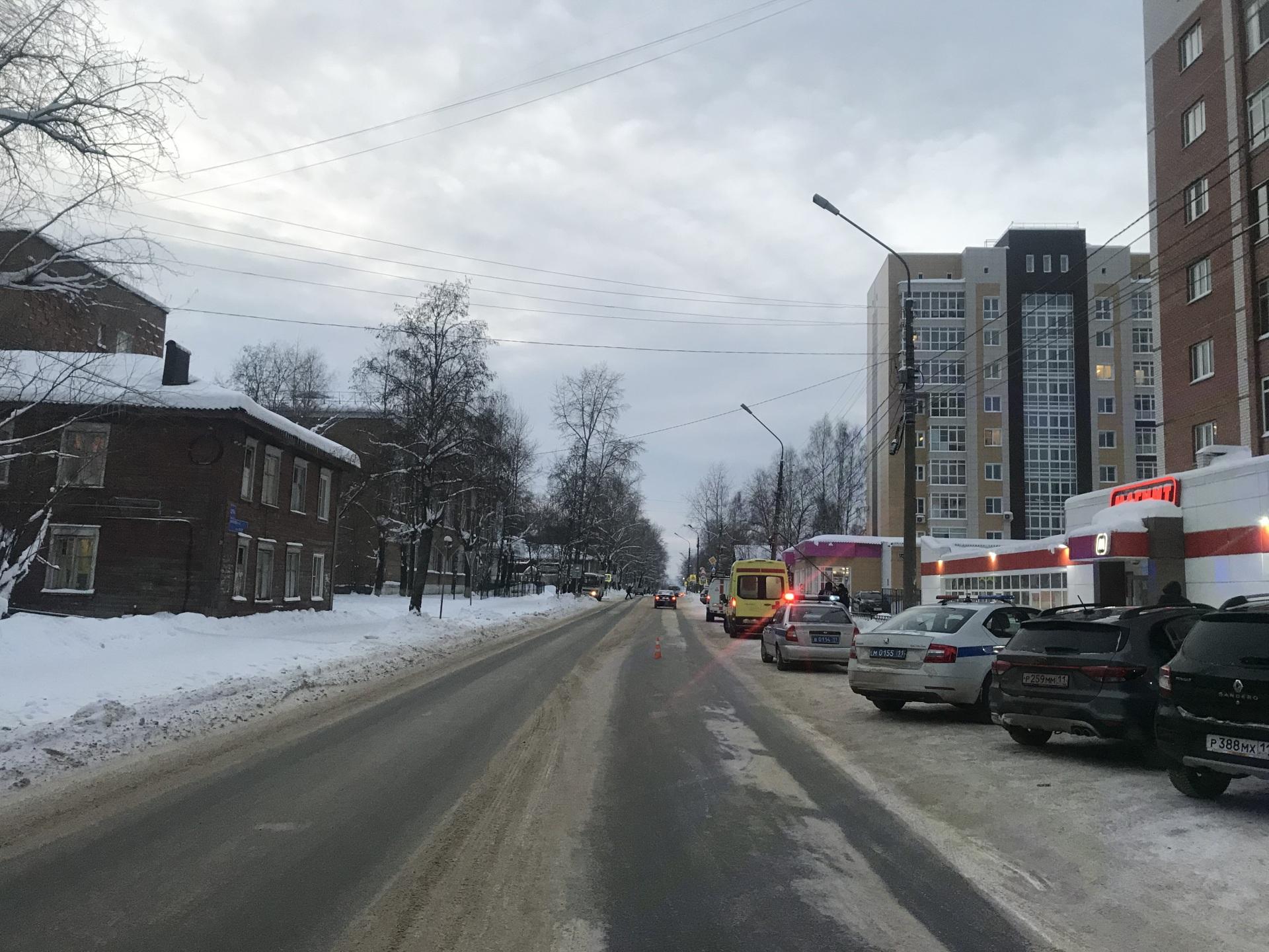 mesto-dtp-so-storony-Starovskogo.JPG