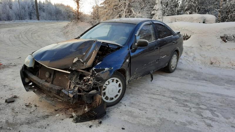 В Сосногорске грузовик ГАЗ протаранил иномарку