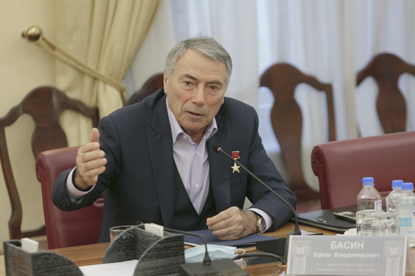 predsedatel-Komiteta-TPP-RF-po-predprinimatelstvu-v-sfere-stroitelstva-Efim-Basin.jpg